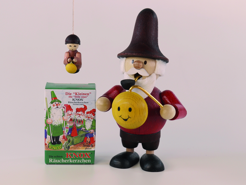 geschenkset-mini-raeuchermann-wichtel-mit-lampion-130-cm-groß+1-baumbehang+1-pack-mini-raeucherkerzen-10-ullrich-kunsthandwerk-paul-ullrich-volkskunstbestehen