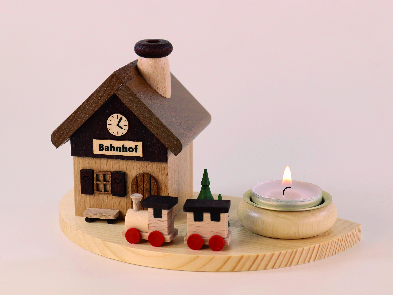 raeucherhaus-bahnhof-lxbxh-180x105x105cm-10-ullrich-kunsthandwerk-paul-ullrich-volkskunstbestehen