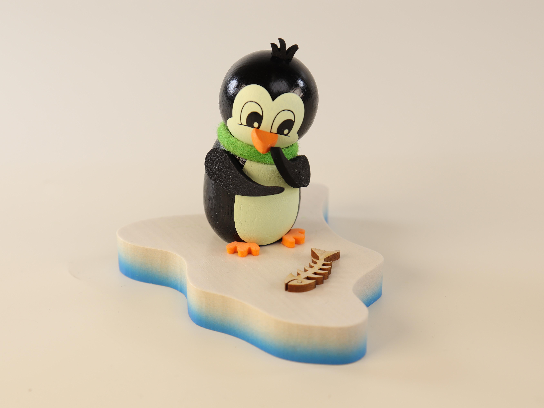 pinguin-auf-eisscholle-entdeckung-10-ullrich-kunsthandwerk-paul-ullrich-volkskunstbestehen